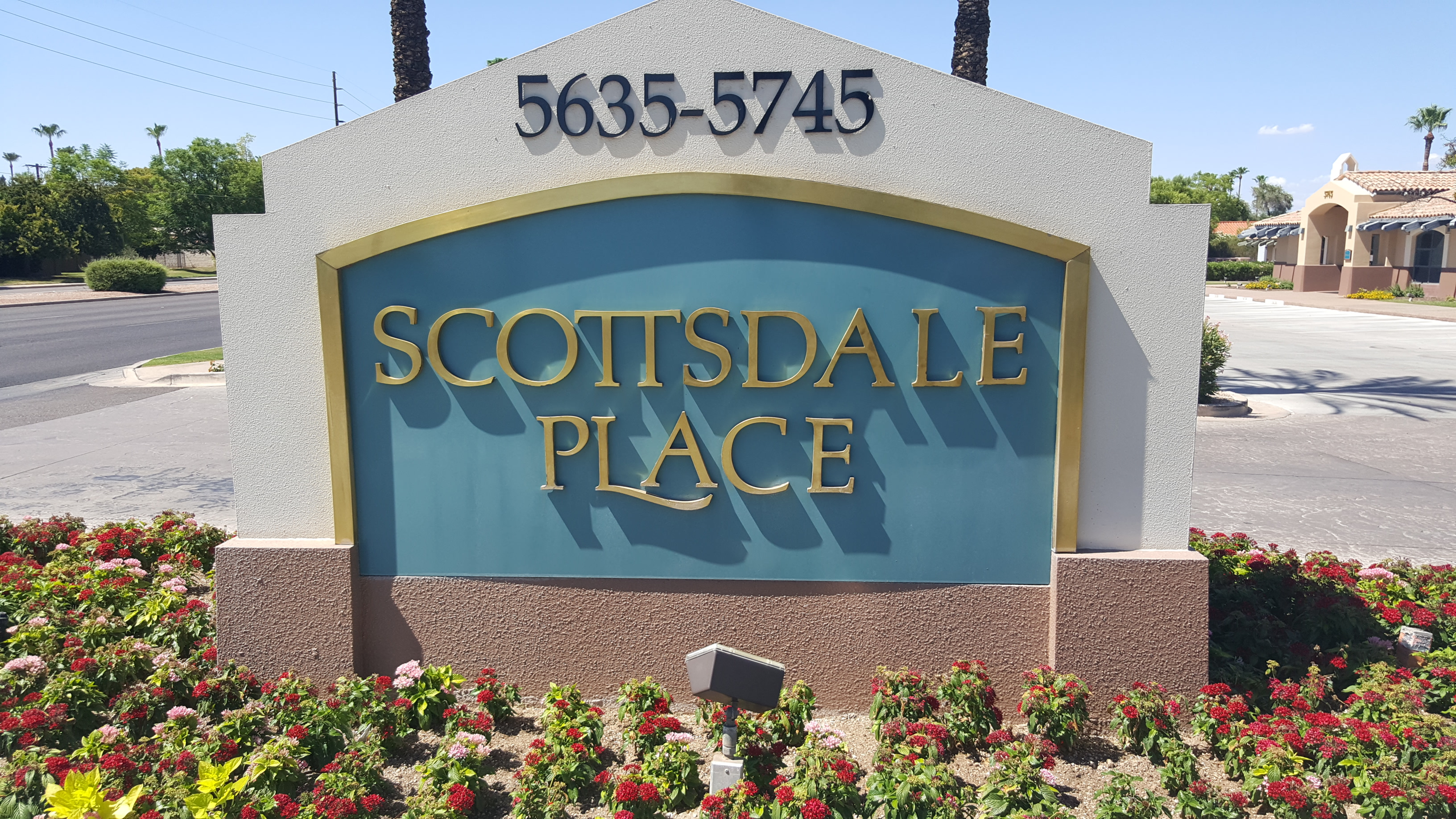 Scottsdale sign on road to get to Scottsdale Bankruptcy Attorney office-2